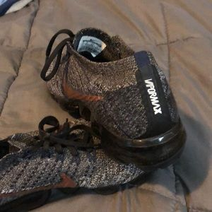 Shoes - Men's Vapormax 9.5- fake